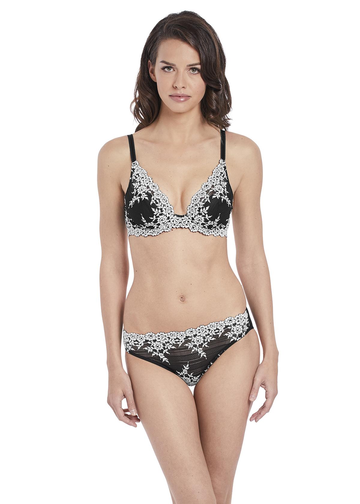 9431c2c026 Wacoal Embrace Lace Underwire Bra Black - CasaMia Lingerie